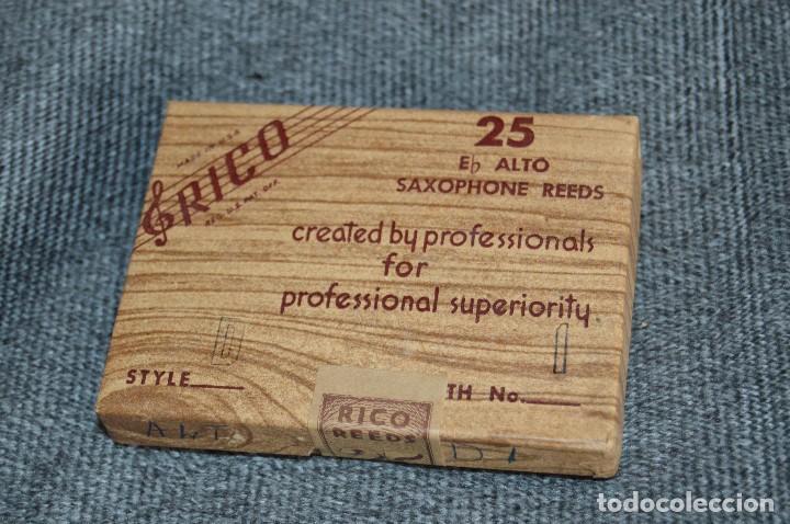 Instrumentos musicales: PRECINTADO - NUEVO - NOS - 25 CAÑAS DE SAXOFÓN - ALTO D1 - Eb ALTO SAXOPHONE REEDS - RICO USA - Foto 2 - 112324199