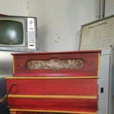 Instrumentos musicales: ORGANILLO DE MUSICA ESPAÑOL ,FIRMADO POR VICENTE LINARES JYC/. Lote 112680270
