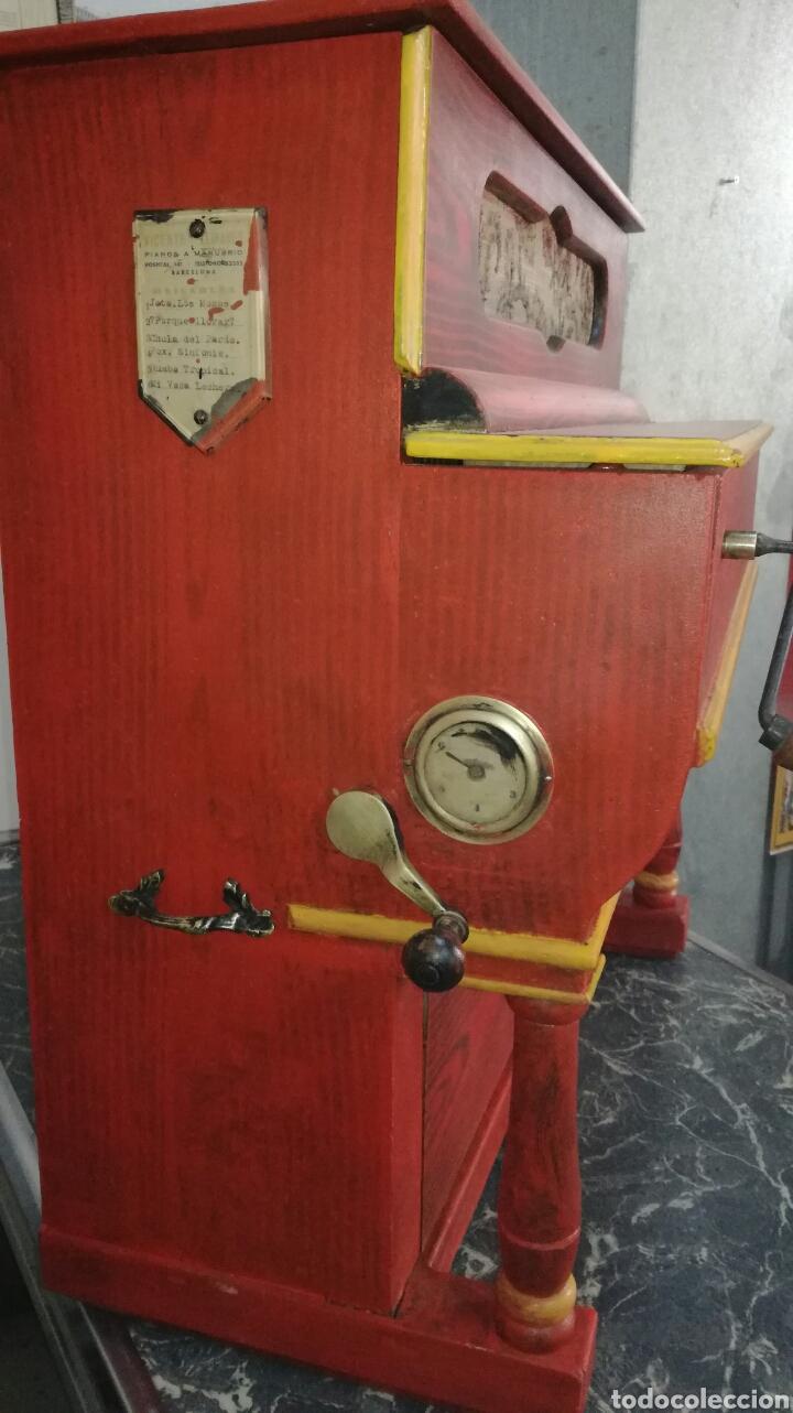 Instrumentos musicales: Organillo de musica español ,firmado por vicente linares JYC/ - Foto 2 - 112680270