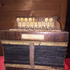 Instrumentos musicales: ACORDEÓN MOSCOLONI DE LOS PRIMEROS SIGLO XIX. Lote 112733638