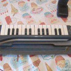 Instrumentos musicales: MELODICA HOHNER ARMONICA MELODICA PIANO 26 CON ESTUCHE. Lote 112872987