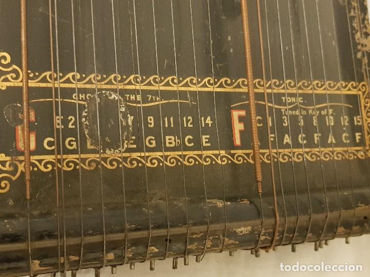 Instrumentos musicales: Cítara modelo AEOL por A. Eichler (Berlín-Nueva York). American Harp-Zither. Año 1900 - Foto 5 - 113313943