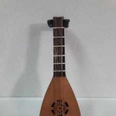 Instrumentos musicales: LAUD - MINIATURA . ALTURA 12 CM. Lote 113347527