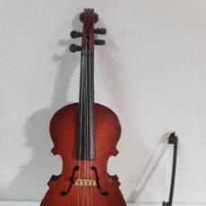 Instrumentos musicales: VIOLONCHELO CON ARCO - MINIATURA . ALTURA 16 CM. Lote 113348631