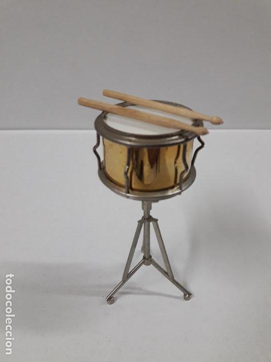 Instrumentos musicales: INSTRUMENTO DE PERCUSION CON BAQUETAS - MINIATURA . ALTURA 9,5 CM - Foto 3 - 113350755
