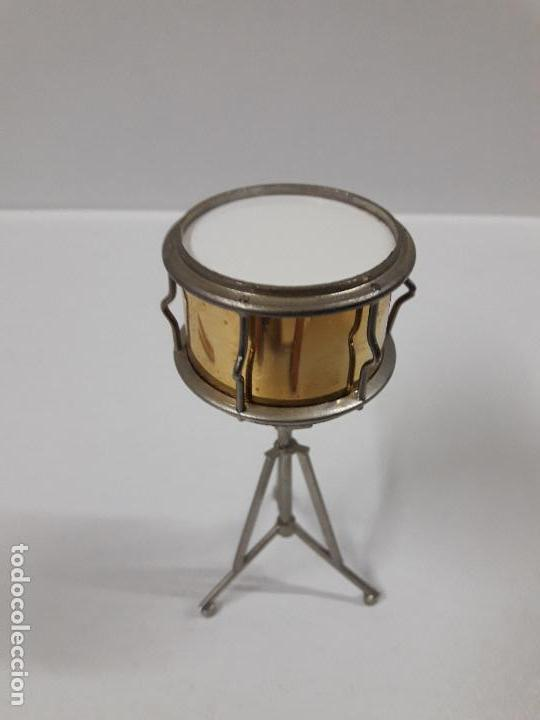 Instrumentos musicales: INSTRUMENTO DE PERCUSION CON BAQUETAS - MINIATURA . ALTURA 9,5 CM - Foto 5 - 113350755