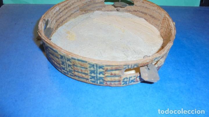 Instrumentos musicales: ANTIGUA PANDERETA S.XIX PINTADA FIGURA DE UN PAJARO , Y PAPEL ESTAMPADO CON TREPA , VER FOTOGRAFIA - Foto 5 - 115593239