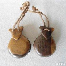 Instrumentos musicales: ANTIGUAS CASTAÑUELAS EN MADERA DE GRANADILLO. Lote 116501551