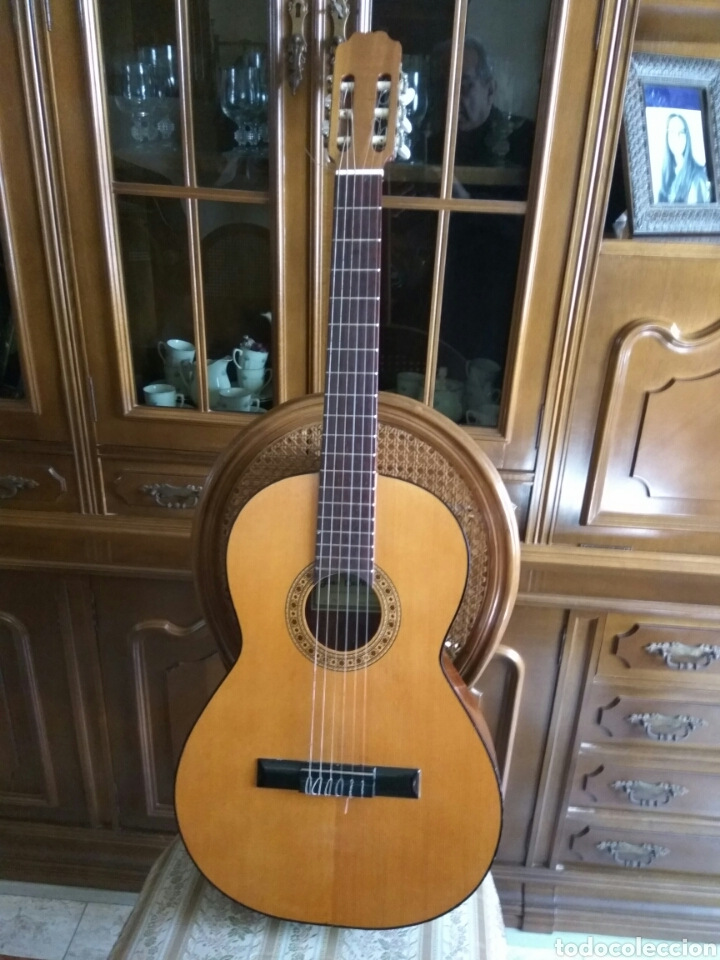 GUITARRA CLÁSICA JOAN CASHIMIRA MODELO 19-E (Música - Instrumentos Musicales - Guitarras Antiguas)