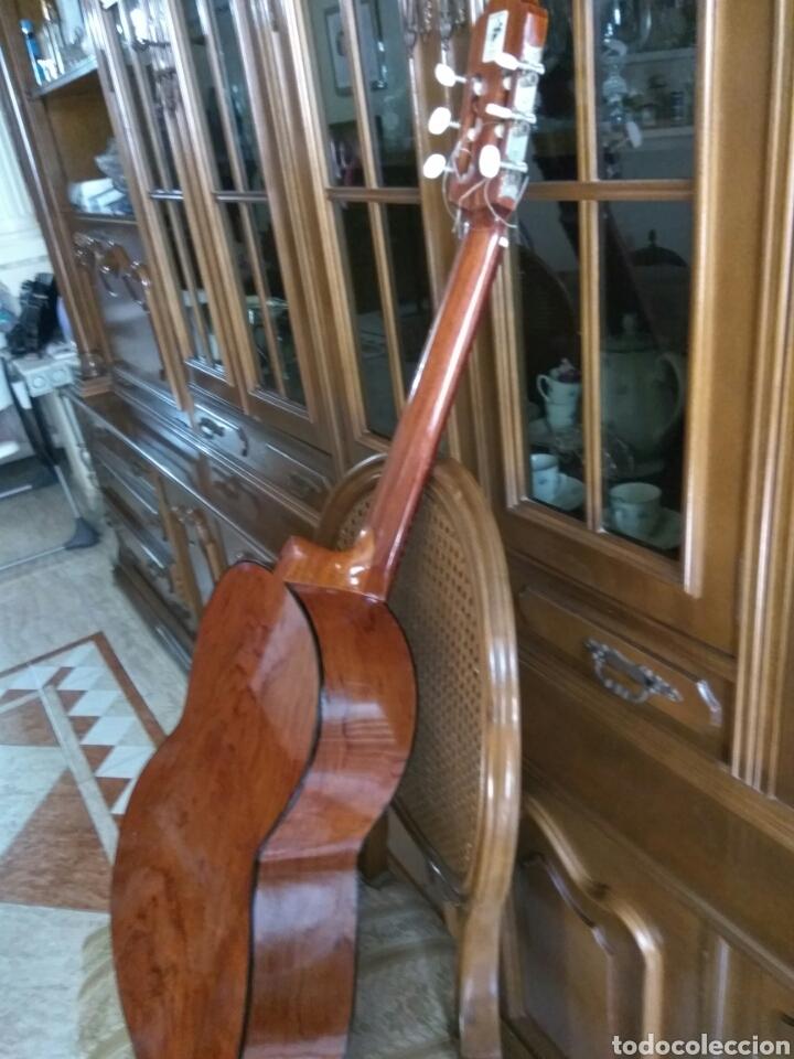 Instrumentos musicales: GUITARRA CLÁSICA JOAN CASHIMIRA MODELO 19-E - Foto 4 - 136350992