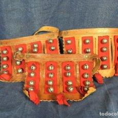 Instrumentos musicales: CASCABELES PIERNA TOBILLO FOLK CUERO METAL FIELTRO 1A MITAD S XX ZONA ANDES BOLIVIA PERU ECUADOR . Lote 117704787