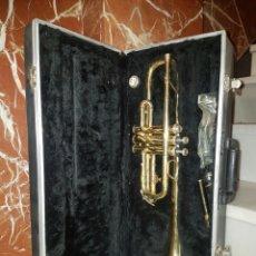 Instrumentos musicales: VIEJA TROMPETA CON MALETIN Y ACCESORIOS. Lote 117748138