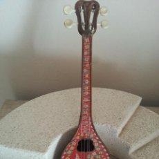 Instrumentos musicales: BONITA MANDOLINA CON CAJA DE MUSICA EN INTERIOR DE CUERDA (NO MADERA) ANTIGUA INSTRUMENTO MANDOLIN. Lote 119006515