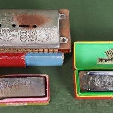 Instrumentos musicales: SET DE 3 HARMÓNICAS HOHNER Y ECHO. METAL Y MADERA. CIRCA 1970. . Lote 121351459