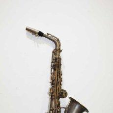 Instrumentos musicales: ANTIGUO SAXOFÓN SOLIST DELUX. Lote 121722043