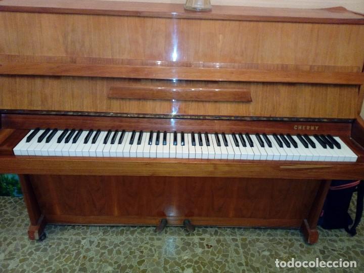 Instrumentos musicales: Piano Cherny año 82 - Foto 2 - 122082367