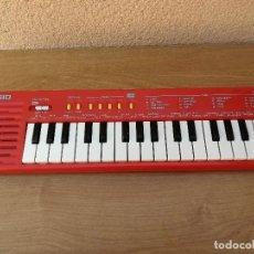 Instrumentos musicales: PRECIOSO PIANO TECLADO CASIO CASIOTONE SA2 SA 2 ROJO FUNCIONANDO. Lote 122387495