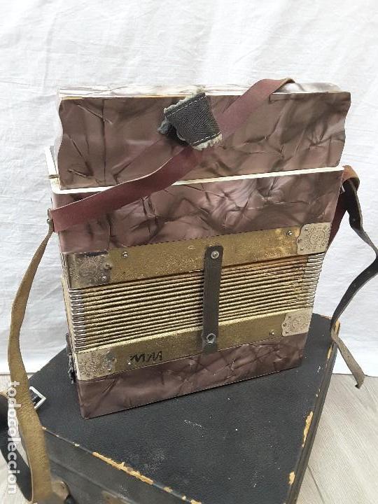 Instrumentos musicales: Pequeño acordeón Metropol. Años 30 - Foto 3 - 122918059
