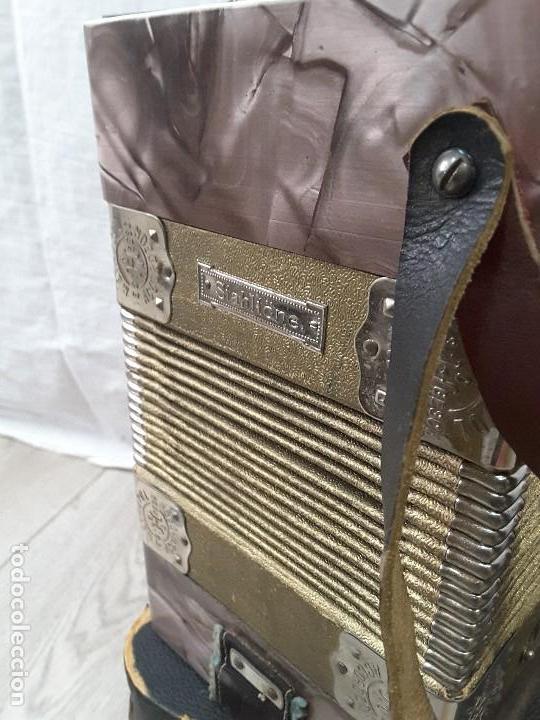 Instrumentos musicales: Pequeño acordeón Metropol. Años 30 - Foto 8 - 122918059