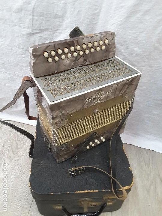PEQUEÑO ACORDEÓN METROPOL. AÑOS 30 (Música - Instrumentos Musicales - Viento Madera)