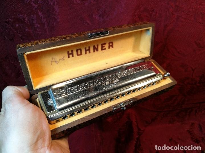 Instrumentos musicales: Armónica para coleccionistas, De M. Hohner, Germany, The 64 Chromonica, AÑOS 50 - Foto 3 - 123387067