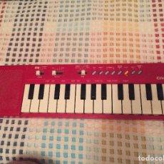 Instrumentos musicales: CASIO PT-10 ROJO ROTO ROJA PT 10 KREATEN ORGANO PIANO . Lote 125932947
