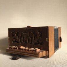 Instrumentos musicales: ACORDEÓN - MERCANTIC. Lote 127864132