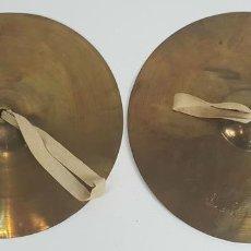 Instrumentos musicales: PAREJA DE PLATILLOS DE BRONCE DE BANDA. SCHUTZMARKE. ALEMANIA. SIGLO XX. . Lote 128550159