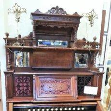 Instrumentos musicales: ARMONIO ANTIGUO DE 1.880. ORIGEN BRITÁNICO. CON MARCA FABRICANTE. IMPRESIONANTE INSTRUMENTO EN PERFE. Lote 128784075