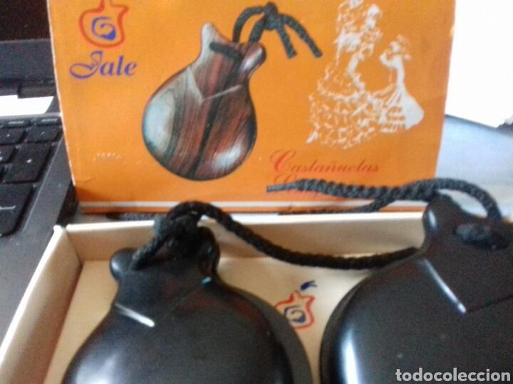 Instrumentos musicales: Castañuelas de madera - Foto 2 - 40368898