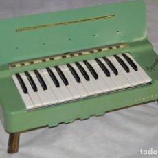 Instrumentos musicales: JOYA - HOHNER ORGANETTA - FUNCIONANDO - PRECIOSA - FUNCIONA A 220V - VINTAGE - ENVÍO 24H. Lote 130552014