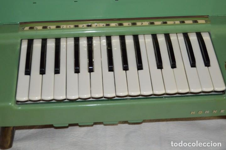 Instrumentos musicales: JOYA - HOHNER ORGANETTA - FUNCIONANDO - PRECIOSA - FUNCIONA A 220V - VINTAGE - ENVÍO 24H - Foto 4 - 130552014