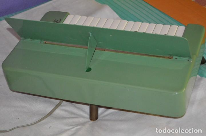 Instrumentos musicales: JOYA - HOHNER ORGANETTA - FUNCIONANDO - PRECIOSA - FUNCIONA A 220V - VINTAGE - ENVÍO 24H - Foto 5 - 130552014