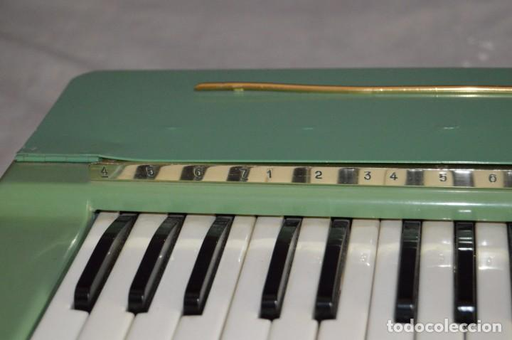 Instrumentos musicales: JOYA - HOHNER ORGANETTA - FUNCIONANDO - PRECIOSA - FUNCIONA A 220V - VINTAGE - ENVÍO 24H - Foto 18 - 130552014