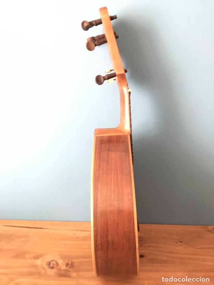 Instrumentos musicales: Preciosa Bandurria JOSÉ SERRATOSA - Antigua fabrica de Guitarra C/ Ancha 50 Barcelona - Foto 11 - 130788444