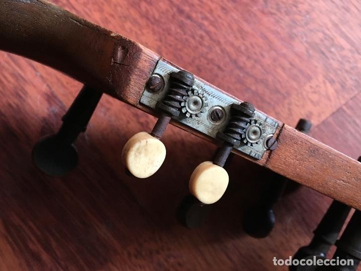 Instrumentos musicales: Preciosa Bandurria JOSÉ SERRATOSA - Antigua fabrica de Guitarra C/ Ancha 50 Barcelona - Foto 17 - 130788444