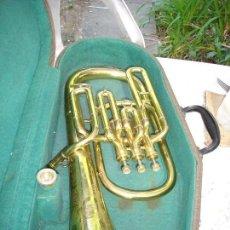 Instrumentos musicales: PRECIOSA TUBA EN SU ETUCHE ORIGINAL ESTA COMO NUEVA VER FOTOS ES DE COLECCION ABSOLUTA. Lote 131649526