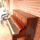 Instrumentos musicales: PIANO JOSÉ LARRU GENIAL PARA DECORACIÓN. Lote 132121741