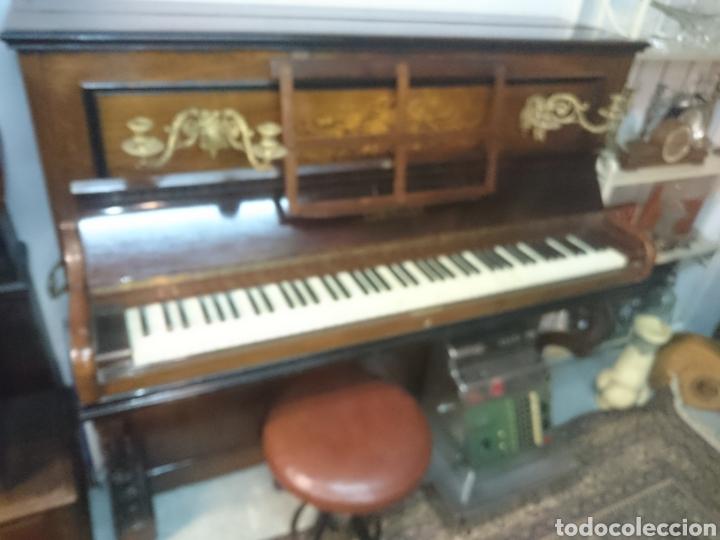 Instrumentos musicales: Piano antiguo siglo18 perfecto estado en funcionamiento teclas marfil asiento origial - Foto 2 - 132182358
