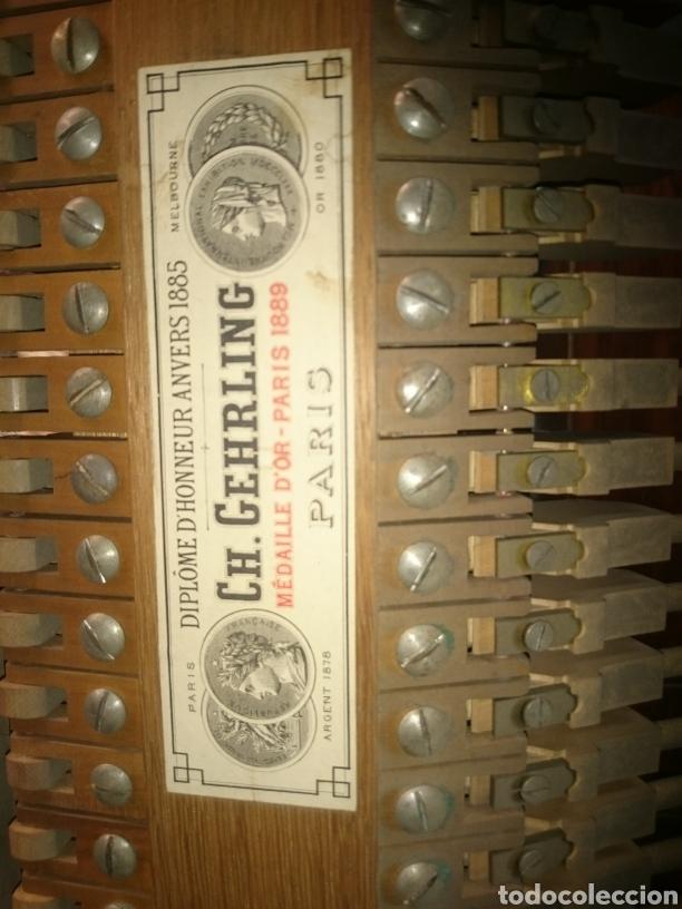 Instrumentos musicales: Piano antiguo siglo18 perfecto estado en funcionamiento teclas marfil asiento origial - Foto 3 - 132182358