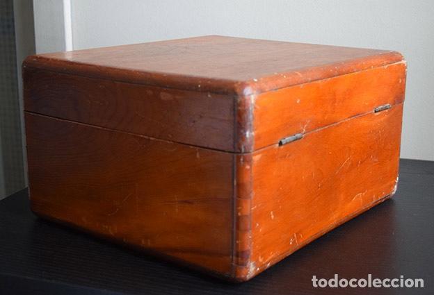 Instrumentos musicales: Acordeón diatónico finales siglo XIX, en su estuche de madera - Foto 8 - 132341238