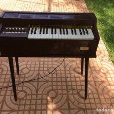 Instrumentos musicales: ÓRGANO MAGNUS FUNCIONANDO. Lote 132377053