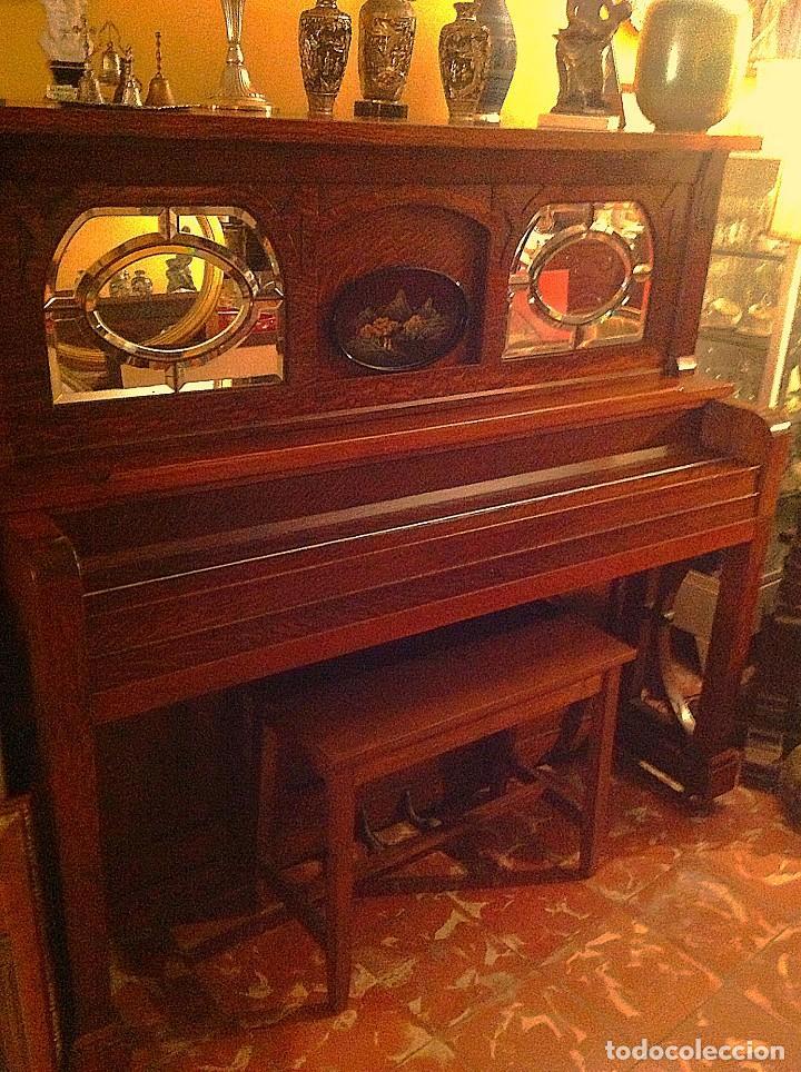 ANTIGUO PIANO AMERICANO NEW YORK MODERNISTA DE ROBLE CON BANQUETA (Música - Instrumentos Musicales - Pianos Antiguos)