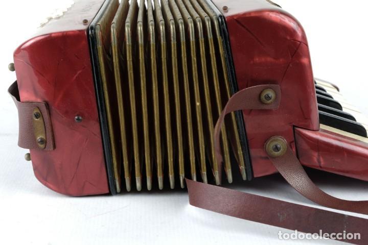 Instrumentos musicales: Acordeon Hohner Mignoni años 50-60 - Foto 7 - 132656470