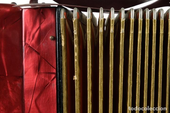 Instrumentos musicales: Acordeon Hohner Mignoni años 50-60 - Foto 11 - 132656470