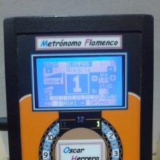 Instrumentos musicales: METRONOMO FLAMENCO AFINADOR CROMÁTICO OSCAR HERRERO. Lote 132931063