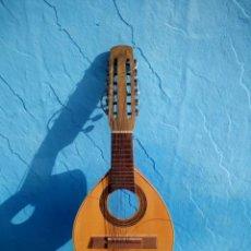 Instrumentos musicales: ANTIGUA BANDURRIA PARA PIEZAS O RESTAURAR.MARCA RAED ,CON CLAVIJEROS Y BUENA PARTE DEL INSTRUMENTO.. Lote 133580454