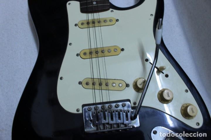 Instrumentos musicales: Guitarra eléctrica - Foto 5 - 133841754