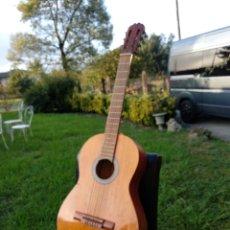 Instrumentos musicales: GUITARRA CON FUNDA. Lote 134134873