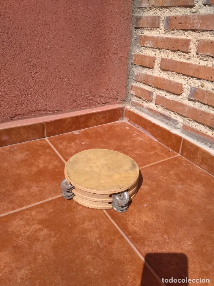 PANDERETA DE PIEL Y MADERA CON PLATILLOS - ANTIGUA (Música - Instrumentos Musicales - Percusión)